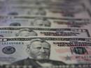 Dólar opera em alta, com incerteza sobre perspectivas no Brasil